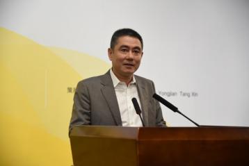 武汉大学校董、广州华艺企业集团有限公司董事长、捐赠人李亦非先生